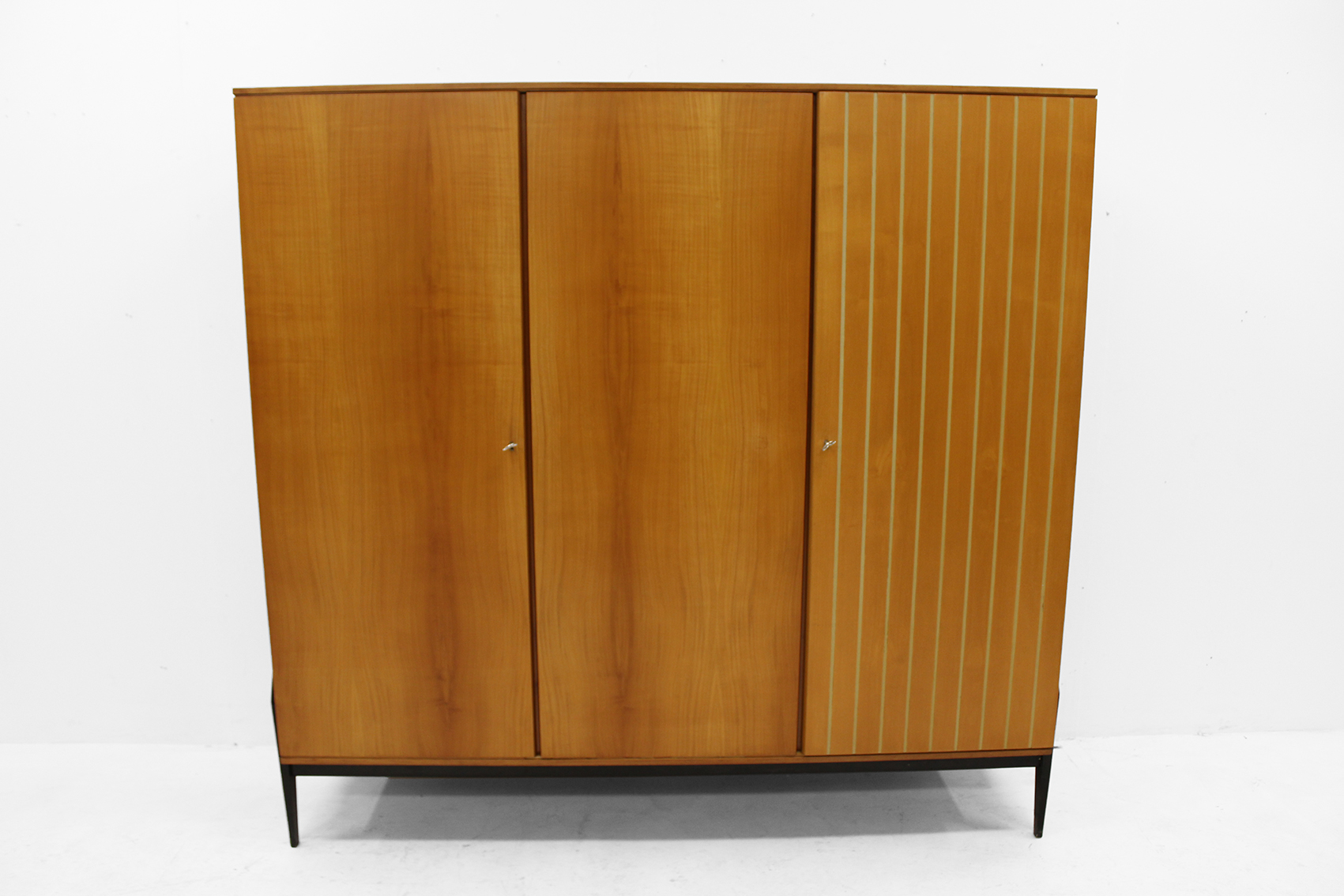 Wardrobe in cherry-wood late fifties