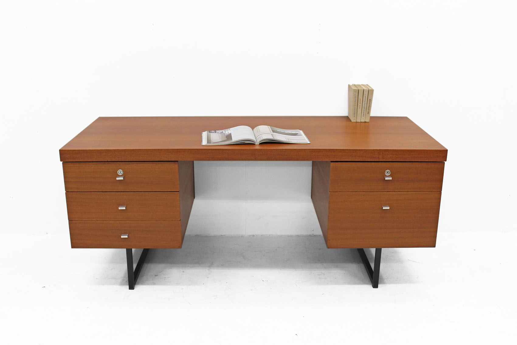 Meurop desk in teak