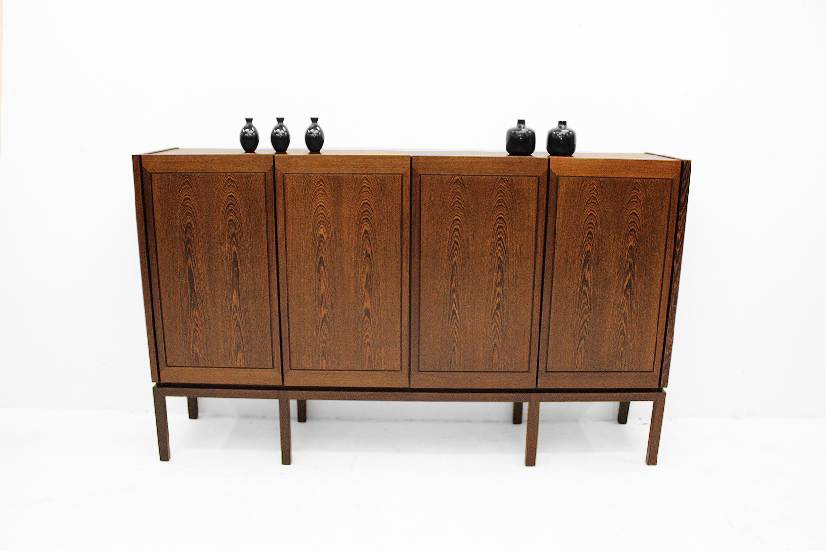 Belgian highboard in Wengé produced by Durlet. Early seventies