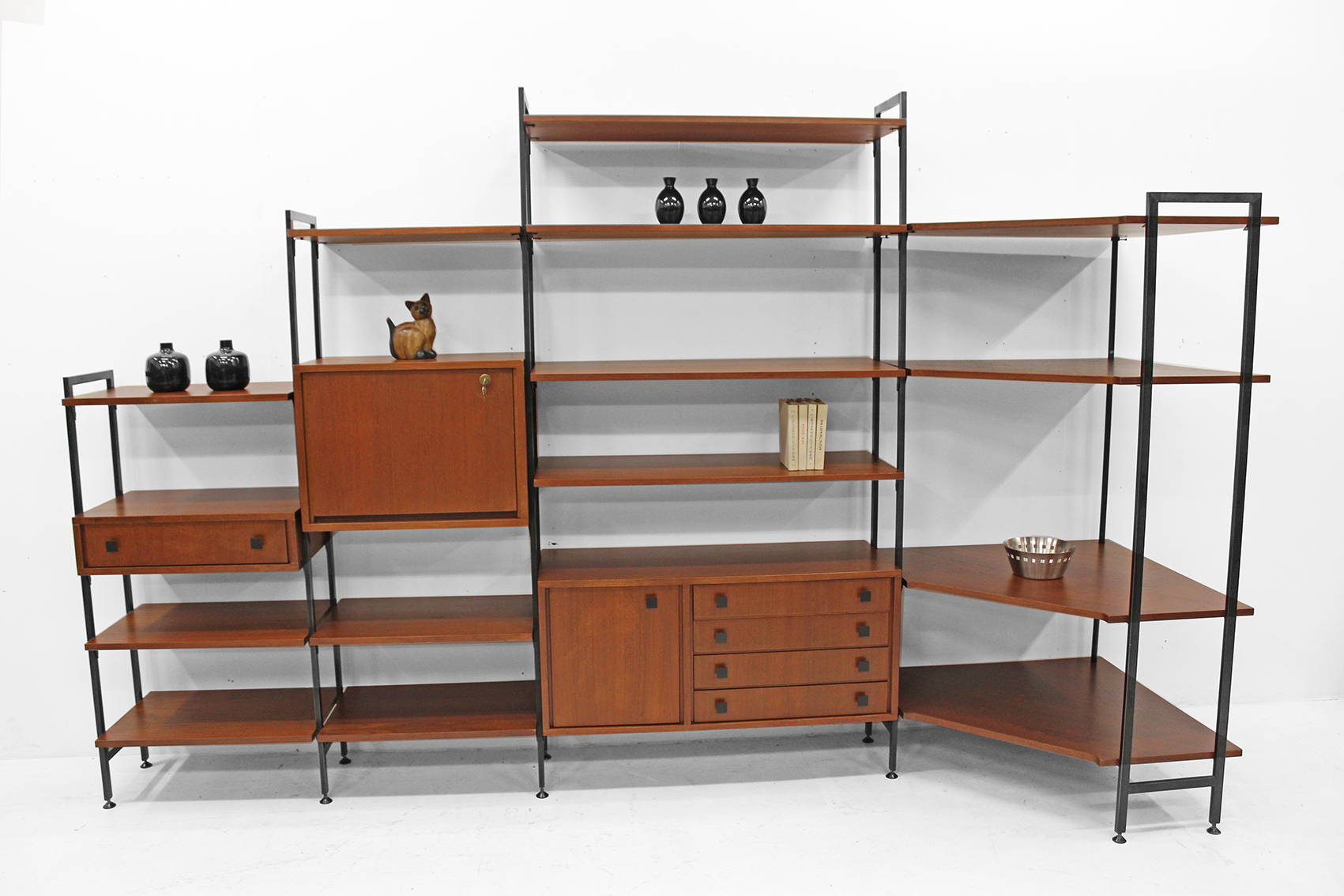 Wall and corner unit by mdk