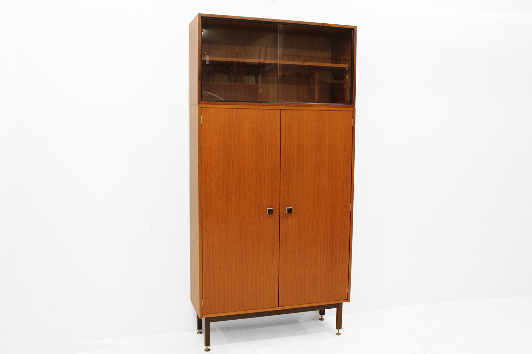 Office cabinet by combineurop
