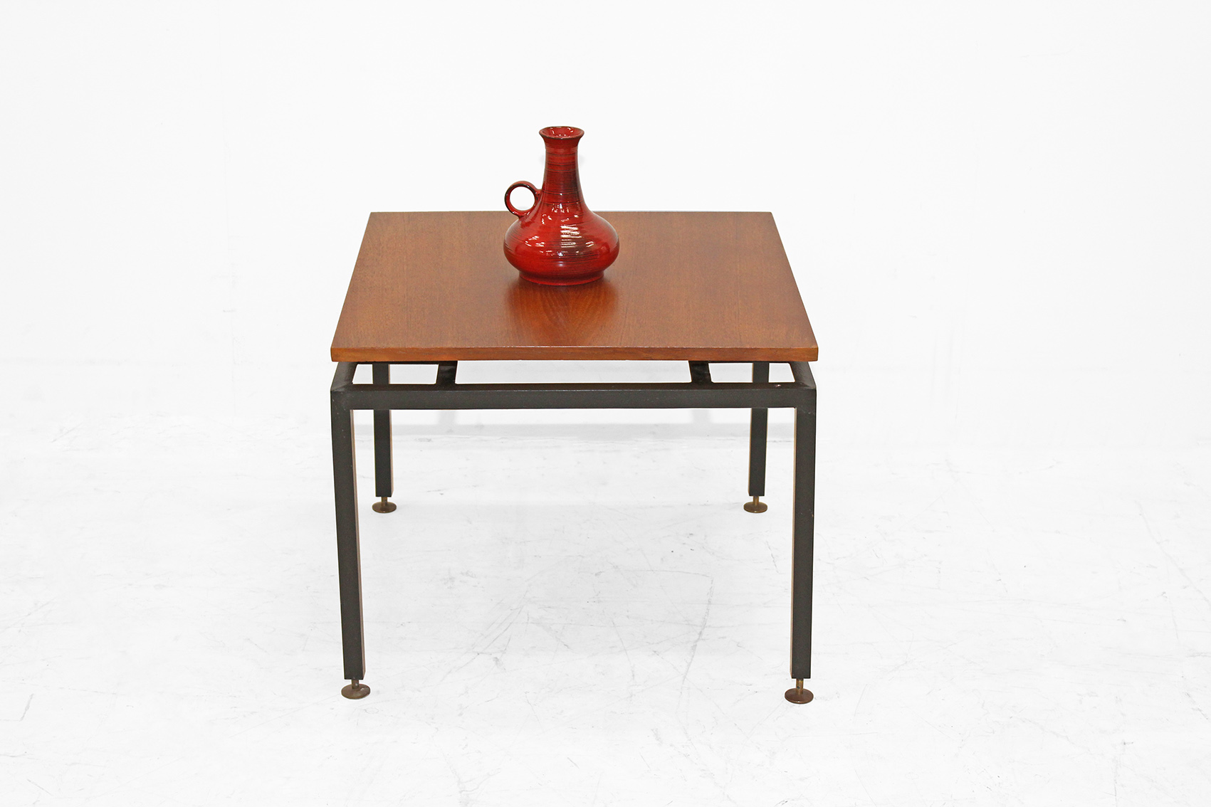 Coffeetable by pastoe