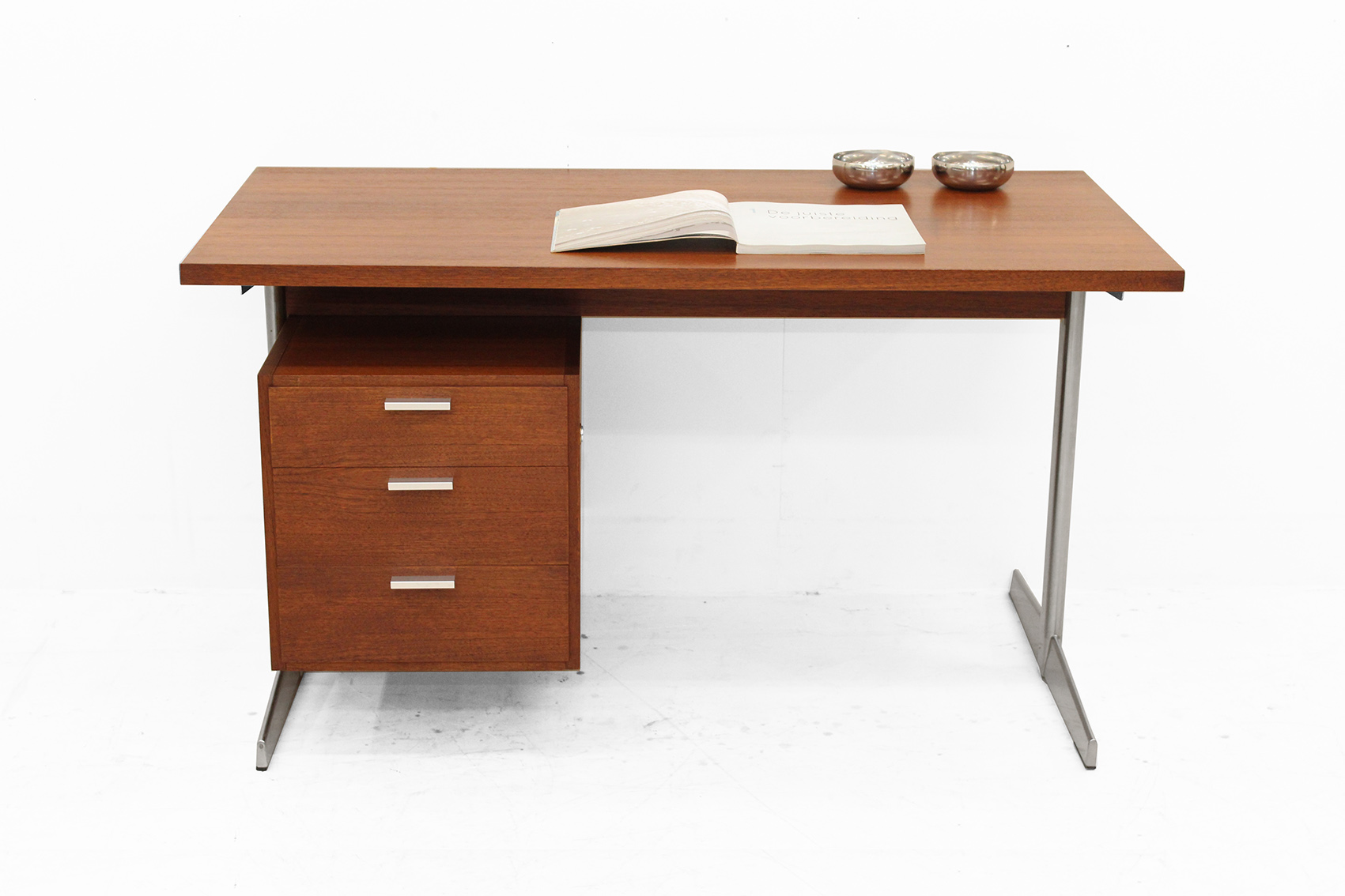 Home desk by pastoe CR series.